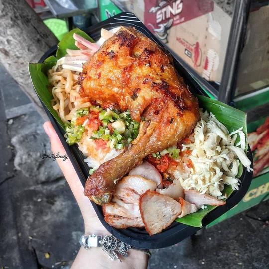 4 món ăn khuya hút khách vào ngày mưa ở TP HCM - Ảnh 5.