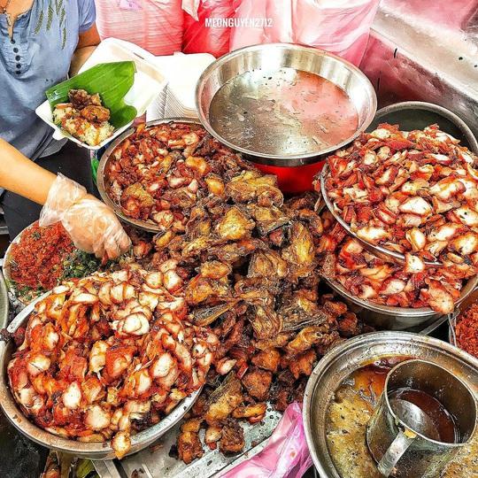 4 món ăn khuya hút khách vào ngày mưa ở TP HCM - Ảnh 6.