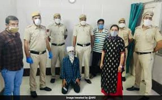 Ấn Độ: Bắt nóng kẻ giết người làm chuyện đồi bại ngay giữa thủ đô - Ảnh 1.