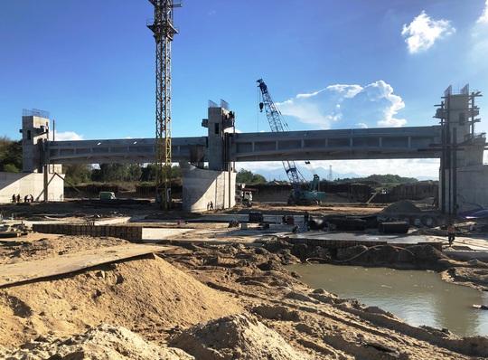 Dừng kỹ thuật dự án đập dâng sông Trà Khúc 1.500 tỉ - Ảnh 2.
