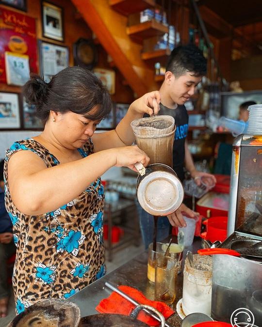 3 quán cà phê vợt hơn nửa thế kỷ ở TP HCM - Ảnh 3.