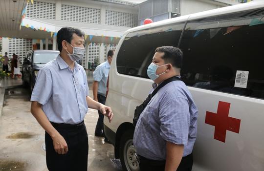 Bác sĩ Bệnh viện Chợ Rẫy tiếp tục lên đường chi viện Đà Nẵng - Ảnh 2.