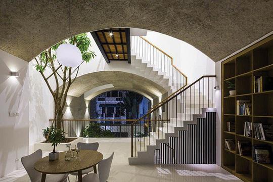 Ngôi nhà như hang động nhờ thiết kế không gian vòm độc đáo - Ảnh 3.
