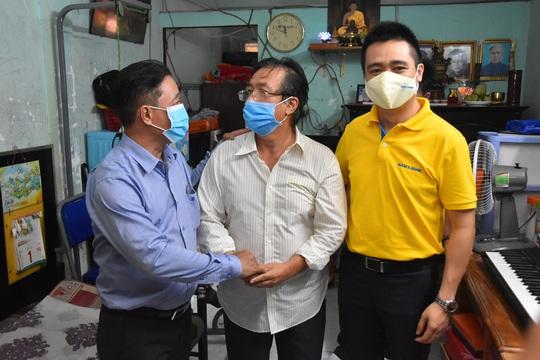 Mai Vàng nhân ái đến thăm nhạc sĩ Phan Thao và nhạc sĩ Kỳ Anh - Ảnh 4.