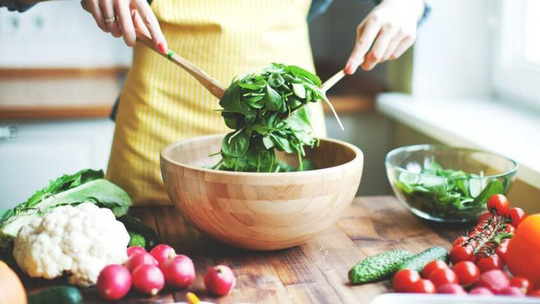 Các chất dinh dưỡng giúp tăng cường hệ miễn dịch - Ảnh 1.
