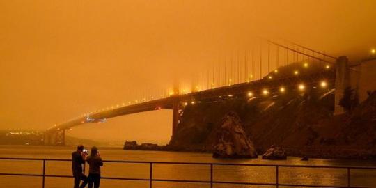 Bầu trời San Francisco biến thành màu cam như sao Hỏa - Ảnh 2.