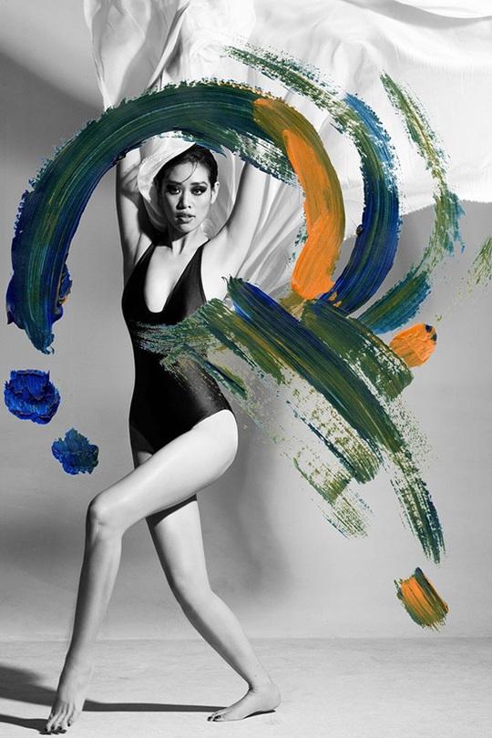 Hoa hậu Khánh Vân khoe vẻ cuốn hút trên tạp chí thời trang quốc tế - Ảnh 1.