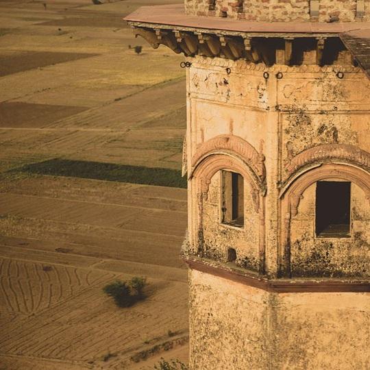 Khách sạn hạng sang được xây dựng từ phế tích cổ - Ảnh 6.