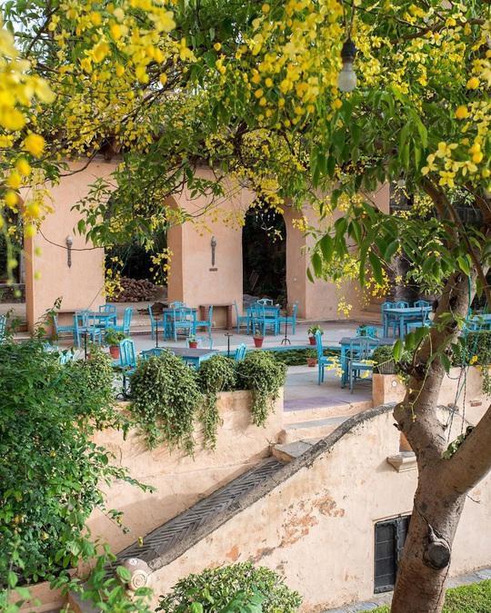 Khách sạn hạng sang được xây dựng từ phế tích cổ - Ảnh 9.