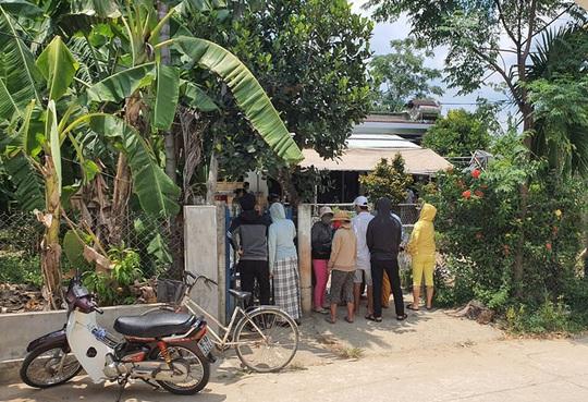 Thiếu niên 16 tuổi ở Quảng Nam chết trước sân nhà lúc 5 giờ sáng - Ảnh 1.