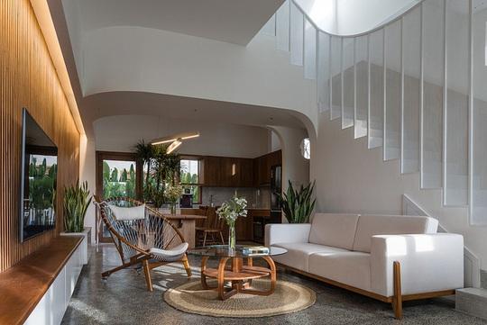 Ngôi nhà theo phong cách vừa đủ ở TP HCM - Ảnh 1.