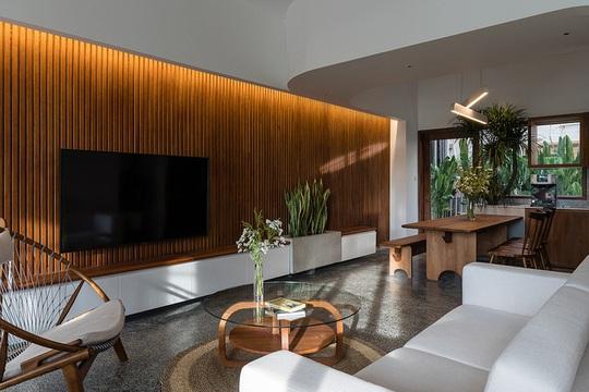 Ngôi nhà theo phong cách vừa đủ ở TP HCM - Ảnh 2.