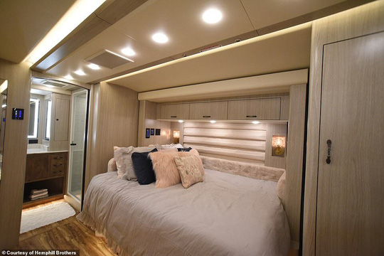 2.000 USD một đêm ngủ khách sạn di động - Ảnh 8.