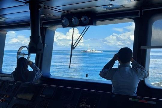 Indonesia đuổi tàu hải cảnh Trung Quốc trên biển Đông - Ảnh 2.