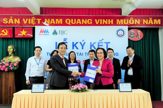 """MM Mega Market Việt Nam tài trợ học bổng """"Vươn cao sự nghiệp"""" - Ảnh 2."""