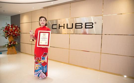 """Chubb Life Việt Nam được vinh danh """"Top 10 doanh nghiệp Bảo hiểm Nhân thọ uy tín"""" và """"Top 500 doanh nghiệp tăng trưởng nhanh nhất Việt Nam"""" - Ảnh 1."""