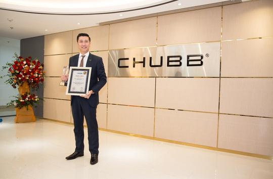 """Chubb Life Việt Nam được vinh danh """"Top 10 doanh nghiệp Bảo hiểm Nhân thọ uy tín"""" và """"Top 500 doanh nghiệp tăng trưởng nhanh nhất Việt Nam"""" - Ảnh 2."""