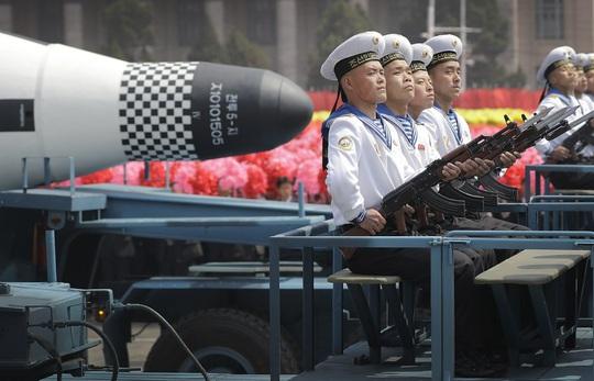 Triều Tiên sắp thử tên lửa dưới nước? - Ảnh 1.