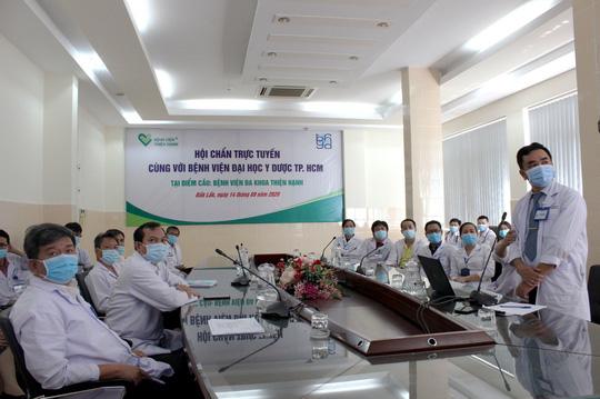 Bác sĩ ở TP HCM vẫn chữa bệnh từ xa cho bệnh nhân tại Đắk Lắk - Ảnh 1.