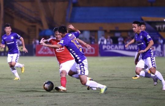 Hà Nội FC đè bẹp CLB TP HCM 5-1, Văn Quyết lập hat-trick - Ảnh 2.