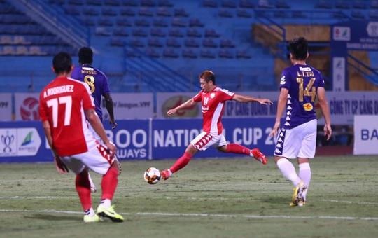 Hà Nội FC đè bẹp CLB TP HCM 5-1, Văn Quyết lập hat-trick - Ảnh 3.