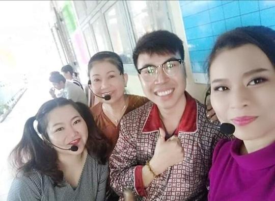 Mai Vàng nhân ái thăm nghệ sĩ lão thành Hoàng Vân và nghệ sĩ Diễm Trinh - Ảnh 3.