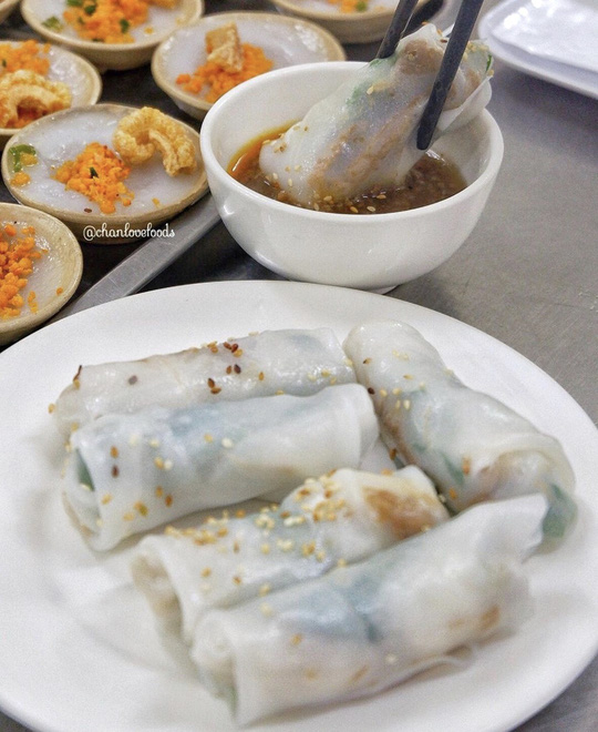Loạt món ngon miền Trung hút khách ở TP HCM - Ảnh 7.