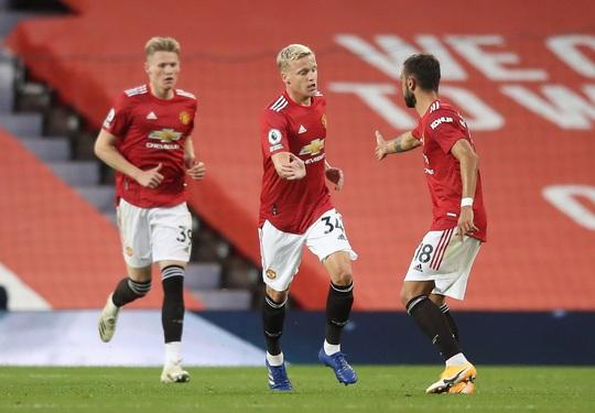 Tân binh de Beek lập công, Man United thua thảm ở Old Trafford - Ảnh 6.