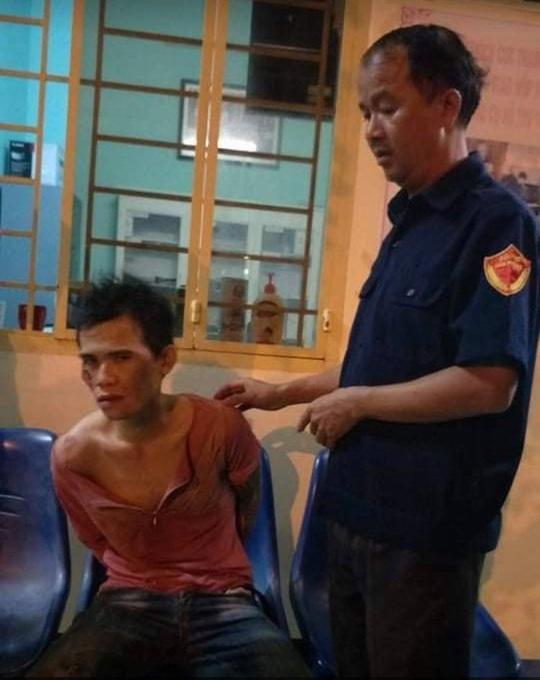 Cặp vợ chồng chở con 5 tháng tuổi đi cướp giật ở Đồng Nai - Ảnh 1.