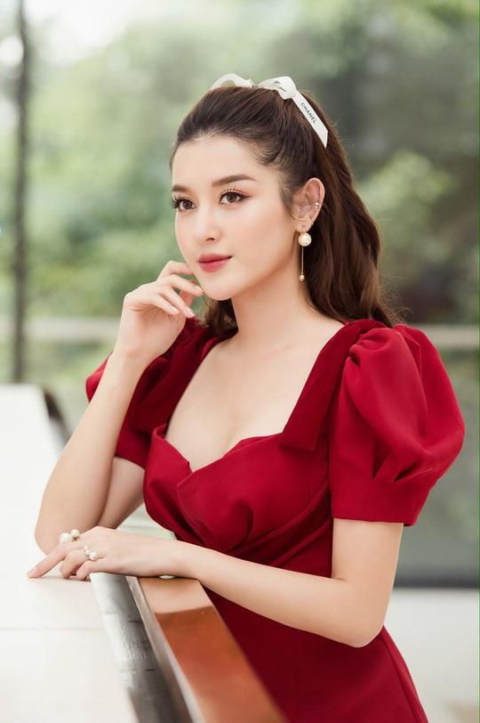 """Nhan sắc 4 mỹ nhân Việt lọt """"100 gương mặt đẹp nhất thế giới"""" - Ảnh 12."""