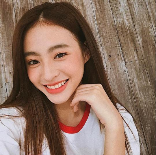"""Nhan sắc 4 mỹ nhân Việt lọt """"100 gương mặt đẹp nhất thế giới"""" - Ảnh 5."""