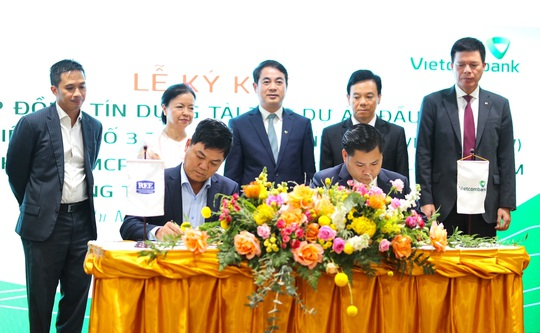 Vietcombank hợp tác toàn diện và tài trợ tín dụng 1.360 tỉ đồng cho REE Corporation - Ảnh 2.