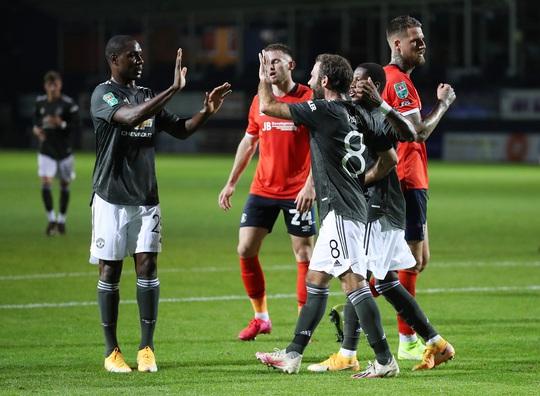 Dự bị lập công, Man United thắng trận đầu tiên mùa giải mới - Ảnh 4.