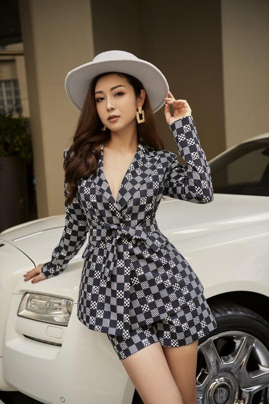 Nhà mode Neva bắt tay Jennifer Phạm tôn vinh phái đẹp - Ảnh 2.