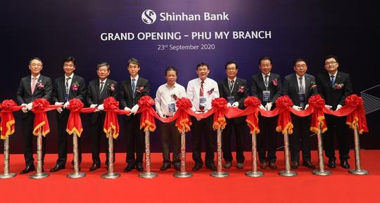 Ngân hàng Shinhan khai trương chi nhánh Phú Mỹ - Ảnh 1.