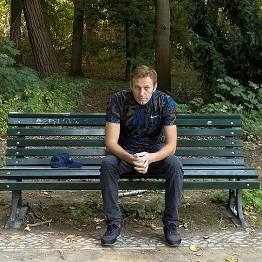 Nga phong tỏa tài sản chính trị gia đối lập Alexei Navalny - Ảnh 1.
