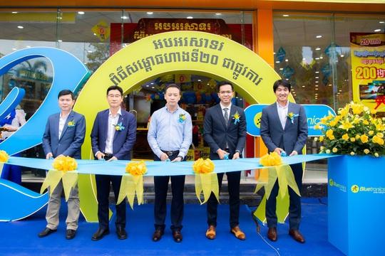 'Xuất ngoại' thần tốc như Điện máy Xanh, số lượng shop gấp 3 lần đối thủ lớn nhất ở Campuchia - Ảnh 1.