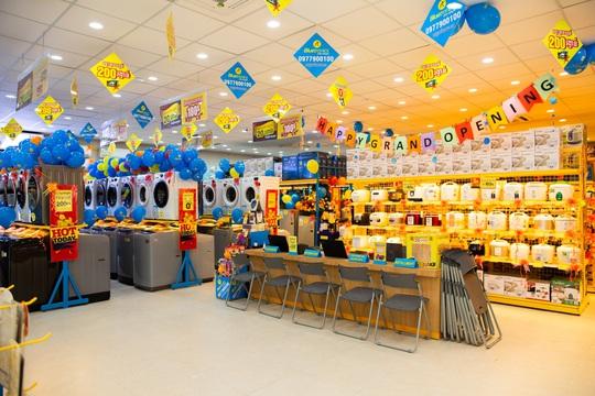 'Xuất ngoại' thần tốc như Điện máy Xanh, số lượng shop gấp 3 lần đối thủ lớn nhất ở Campuchia - Ảnh 2.
