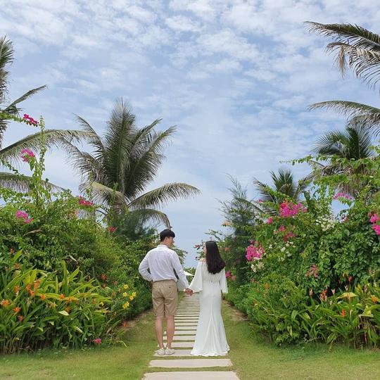 Phát hiện thiên đường sống ảo với background hoa cỏ lãng mạn nhất Quy Nhơn - Ảnh 12.