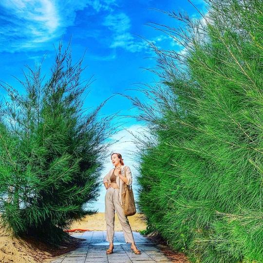 Phát hiện thiên đường sống ảo với background hoa cỏ lãng mạn nhất Quy Nhơn - Ảnh 11.