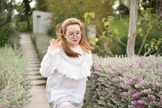 Phát hiện thiên đường sống ảo với background hoa cỏ lãng mạn nhất Quy Nhơn - Ảnh 3.