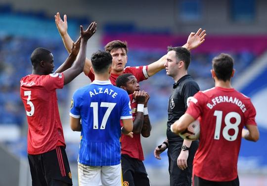 Hưởng phạt đền khi trận đấu đã kết thúc, Man United ngược dòng điên rồ trước Brighton - Ảnh 6.