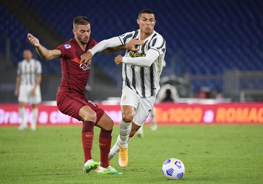 Ronaldo lập cú đúp giúp Juventus thoát thua - Ảnh 4.