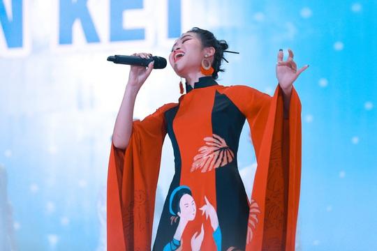 10 thí sinh vào chung kết Giọng hát hay Hà Nội 2020 - Ảnh 3.