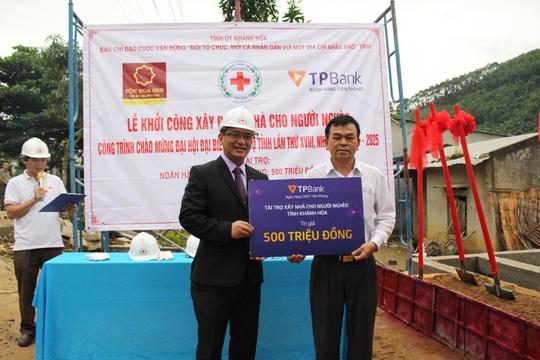 TPBank chia sẻ yêu thương, hỗ trợ 10 căn nhà cho người dân Khánh Hòa - Ảnh 1.