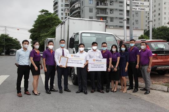 TPBank chia sẻ yêu thương, hỗ trợ 10 căn nhà cho người dân Khánh Hòa - Ảnh 3.