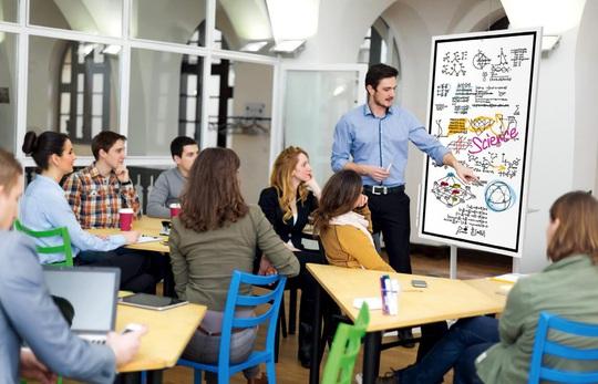 Nâng cao chất lượng giảng dạy cùng bảng tương tác Samsung Flip 2 - Ảnh 1.