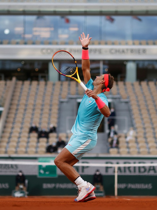 Clip Vua Rafael Nadal, Hoàng tử Dominic Thiem thắng dễ trận ra quân Roland Garros - Ảnh 7.