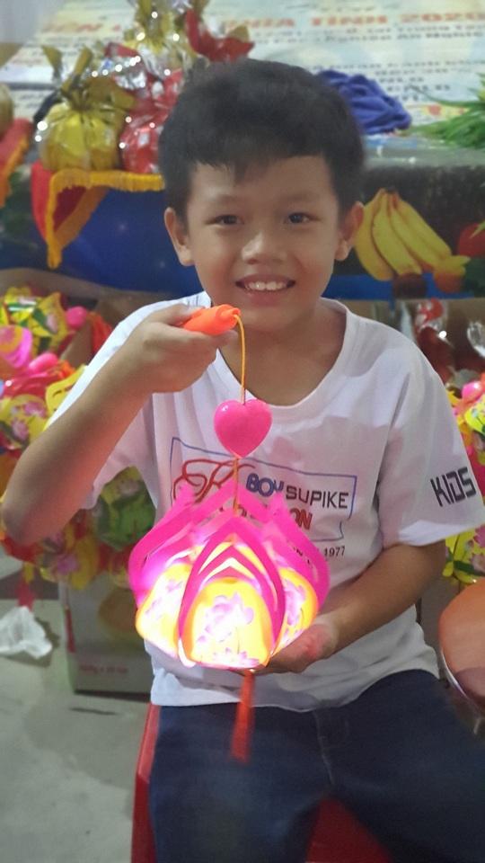 """Ấm áp đêm """"Vui hội trung thu"""" với trẻ em nghèo Sóc Trăng, Tiền Giang - Ảnh 15."""