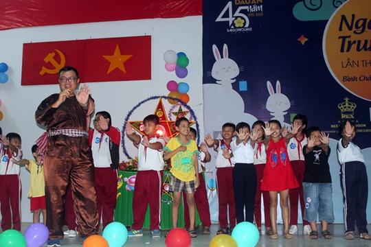 Saigontourist chăm lo học sinh nghèo, hiếu học - Ảnh 1.